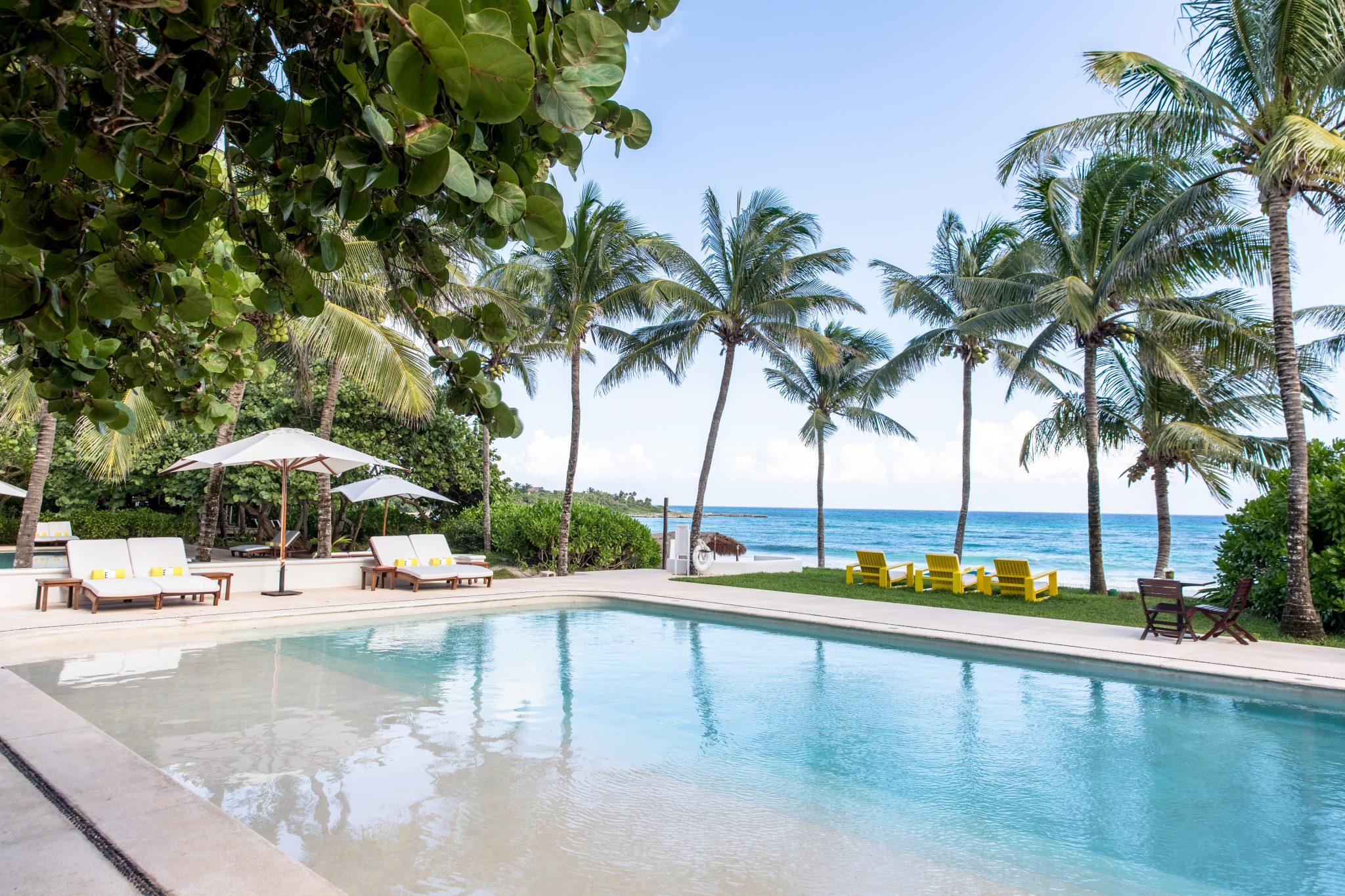 Hotel Esencia Pools