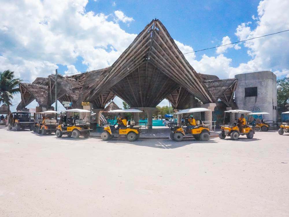 Holbox Taxis